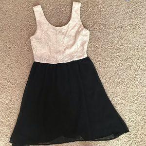 Black and White Forever 21 Dress